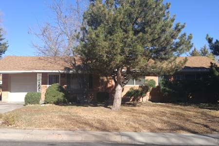 3 Bedroom house, family-friendly, great location! - Colorado Springs