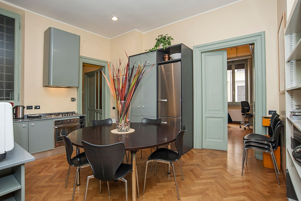 Kitchen/Dining for memorable meals with families and friends