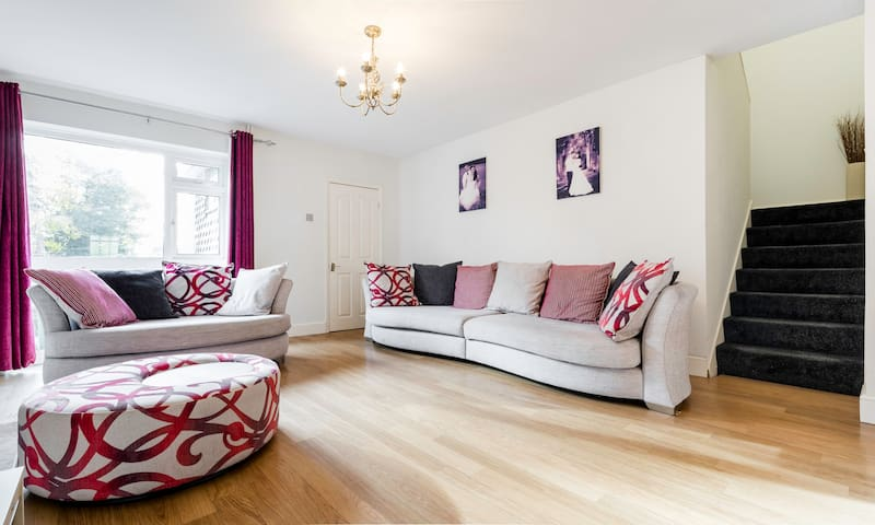 5 bed house, near London - Cheshunt - Casa