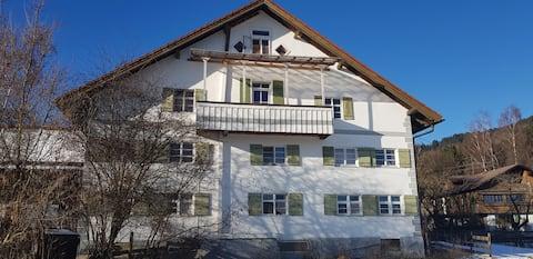Ferienhaus Bergblick und Seenähe, 6 Zi. (10 Pers.)