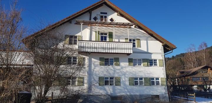 Ferienhaus Bergblick und Seenähe, 5 Zi. (7 Pers.)