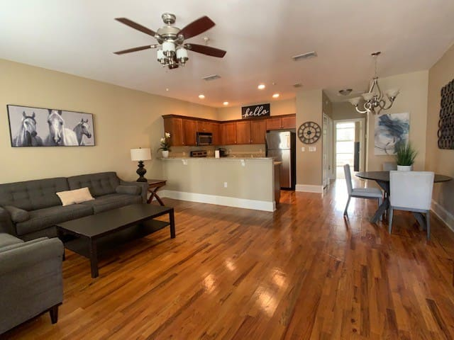 Downtown Tallahassee Luxury Condo-Intro Pricing!