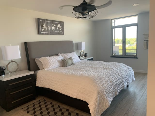Master bedroom boasts a king size cooling mattress you will find to be comfy, comfy, comfy!!