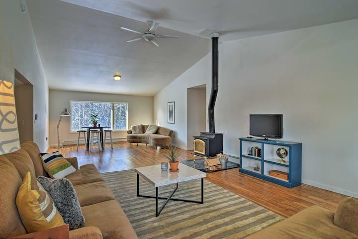 NEW! 4BR Wasilla Home w/ Deck & Mountain Views!