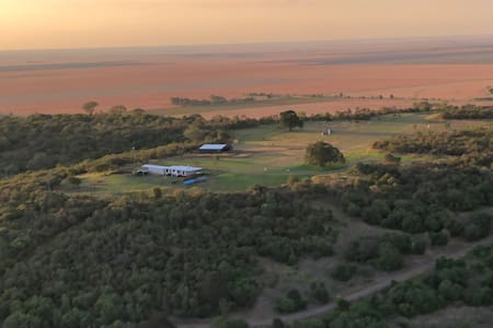 Unique country retreat - Airstrip, Views, Privacy