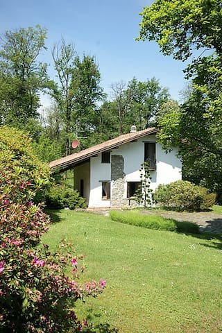 Cottage in the woods - Comabbio - Maison
