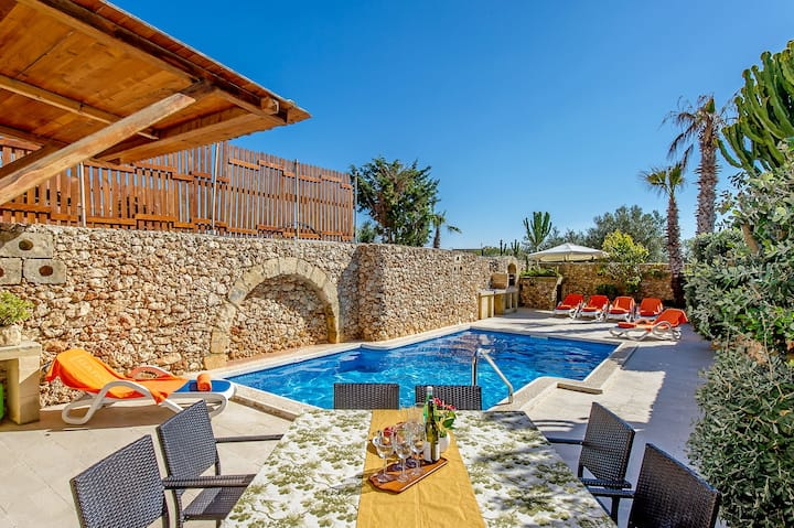 Ta Guza Holiday Home