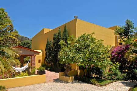 Villa Azalea Luxury B & B - El Tuito - Villa