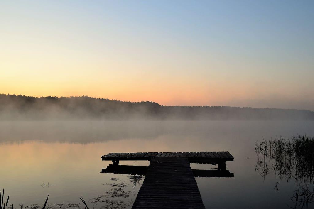 Świt nad jeziorem Schodno