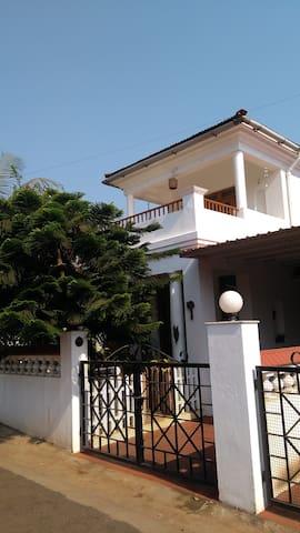 Leafy Villa 1, Palazzo Succorro - Penha de França - Casa