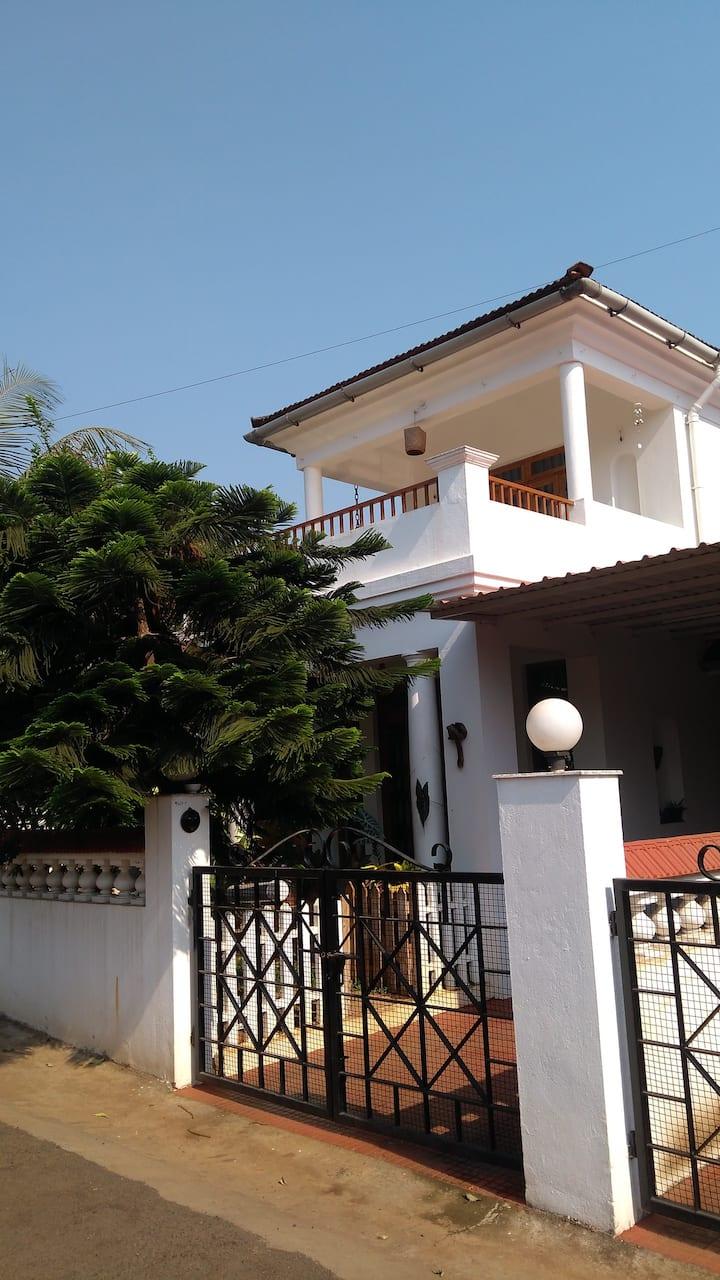 Leafy Villa 1, Palazzo Succorro