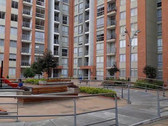 Apartamento acogedor y bien ubicado CC Santafe
