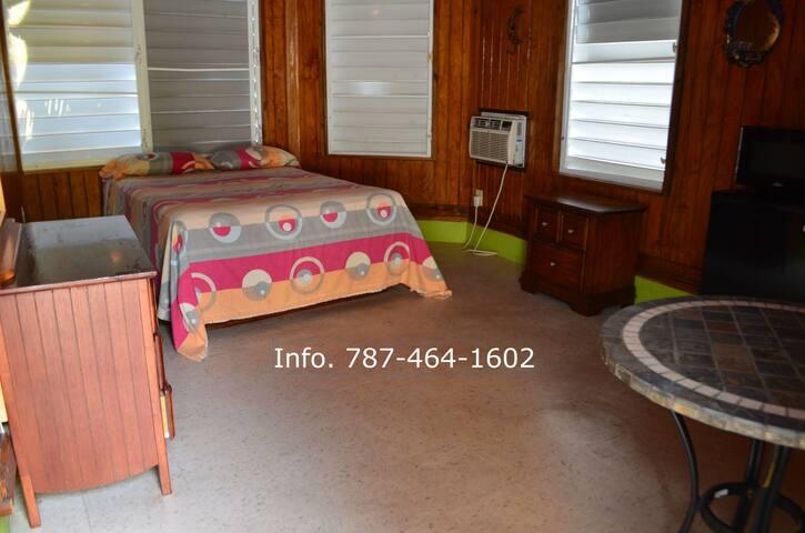 Yolanda's Guest House Room #6 - La Parguera - Huis