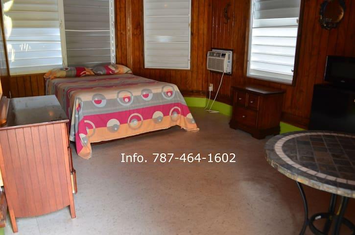 Yolanda's Guest House Room #6 - La Parguera - Rumah
