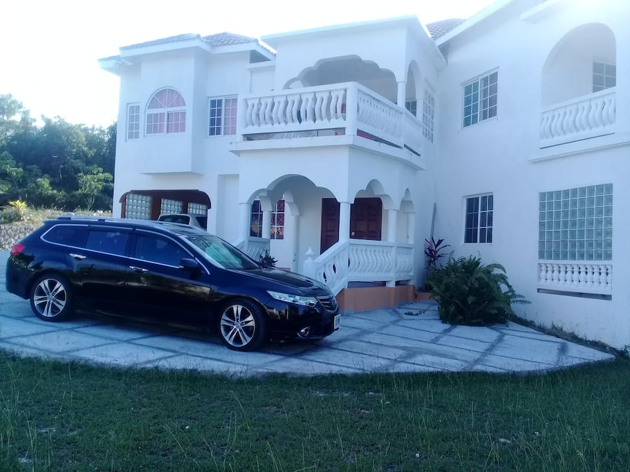 Parking view of Casa de Montego Bay.