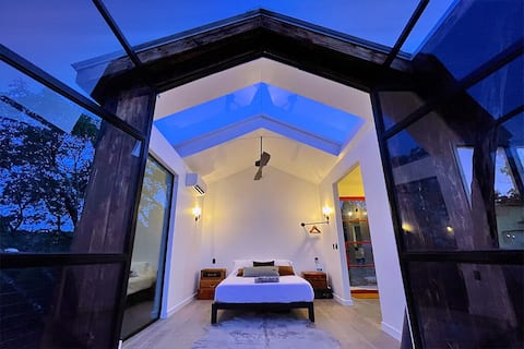 Insta-worthy Cabin Villa with Moonroof & Dip Pool