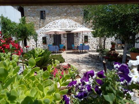 Traditional Stone House of Pelion 2