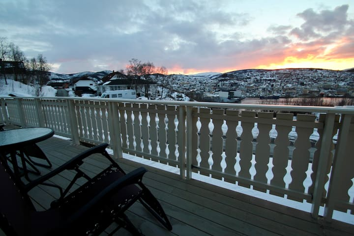 Gangsås. The best view in town, close to the city. - Harstad - Apartamento