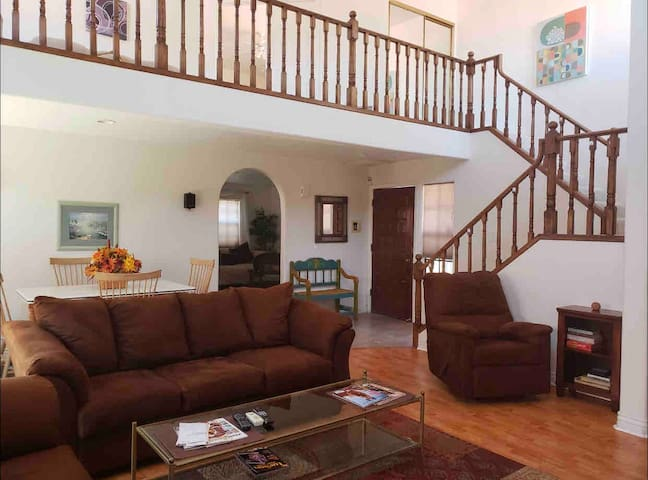 Furnished Living in Sabino Canyon !