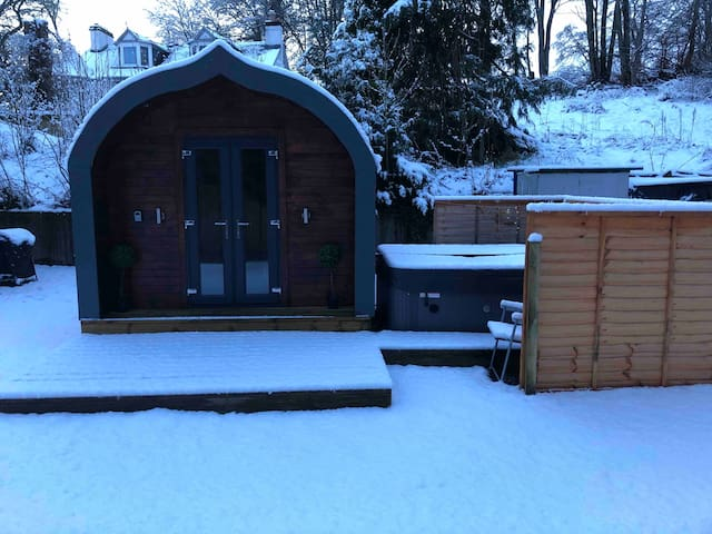 **NEW** Hot Tub Glamping by Loch Ness & Inverness