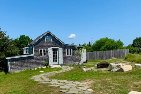 Ferry Keeper's Cottage: Deer Isle