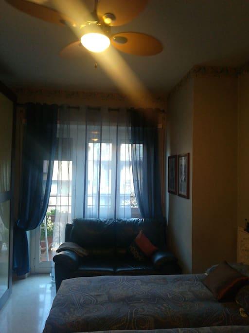 camera da letto con accesso al terrazzo