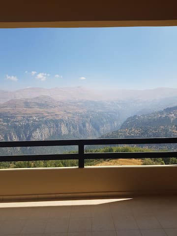 Cute appartment in hadath el jebbeh with a view