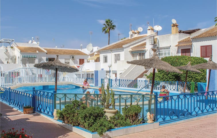 Holiday apartment with 1 bedroom on 39 m² in Torrevieja