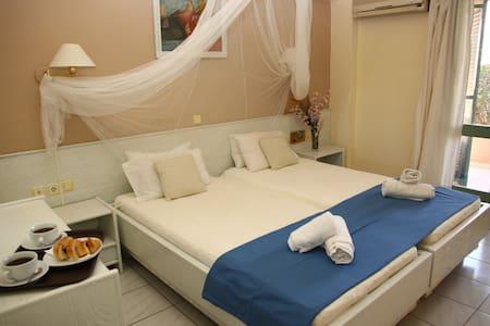 Double Room Karteros Crete - Karteros - Bed & Breakfast
