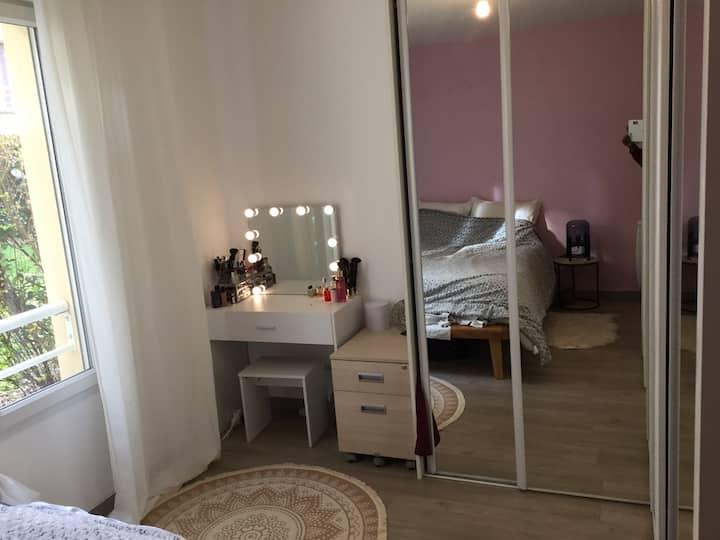 Appartement cosy proche Paris avec 2 couchages