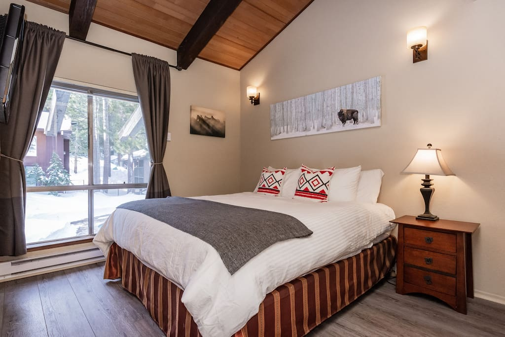 Bedroom 1. King sized bed. All new premium white linens. Allergy free bedding.