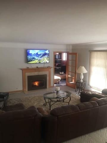 home for rent in Delano 30 min from downtown