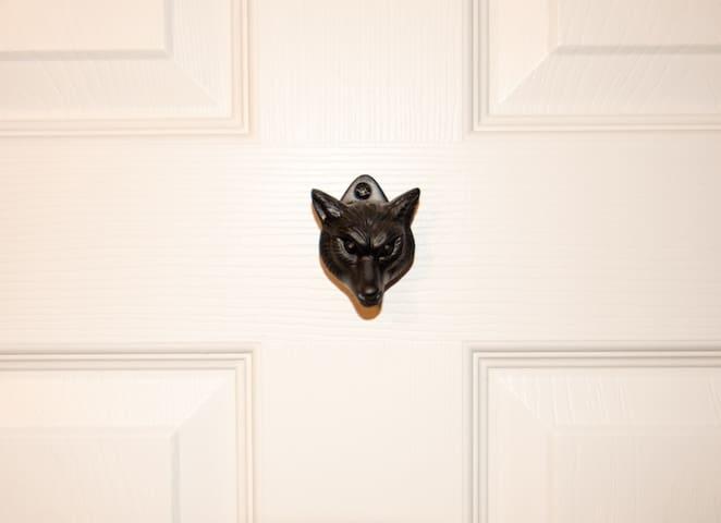 """The Fox Room"""