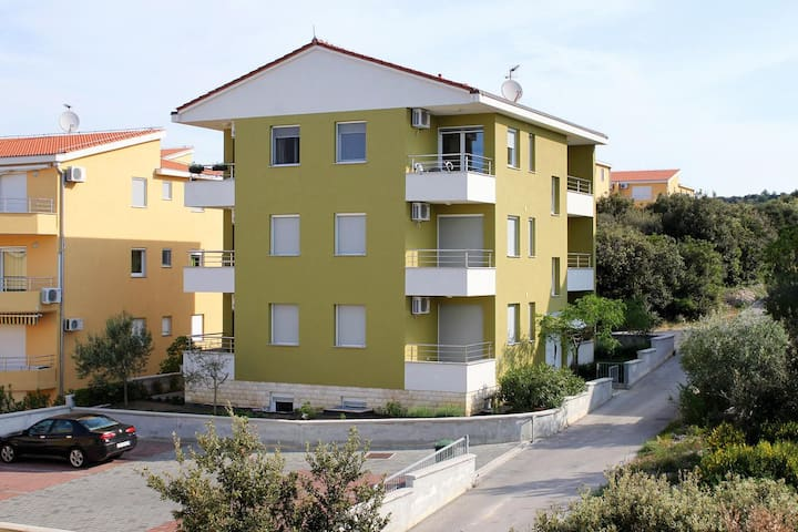 One bedroom apartment with terrace and sea view Kožino (Zadar) (A-5755-b)