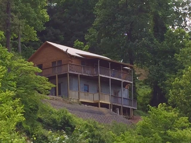 Log Cabin in Greater Asheville Area  Amazing View - Canton - Cabin