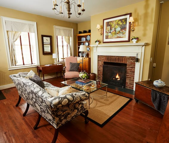 Romantic Suite with Fireplace & Full Breakfast