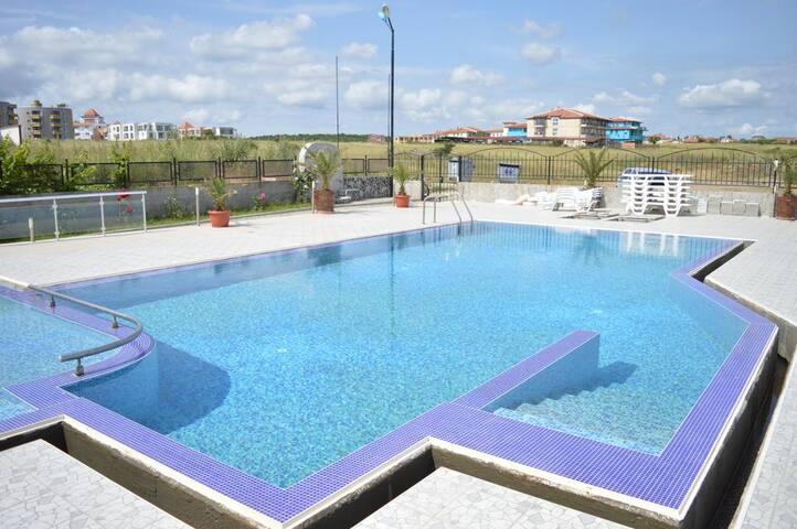 Двухкомнатная квартира в 5 минутах от моря