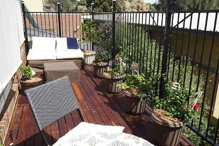 Whole private top level with balcony at the beach - Frankston - Casa a schiera