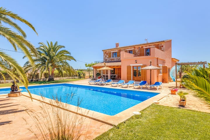 Fantastic Country House with Pool, Terraces, Garden, Air Conditioning & Wi-Fi; Parking Available