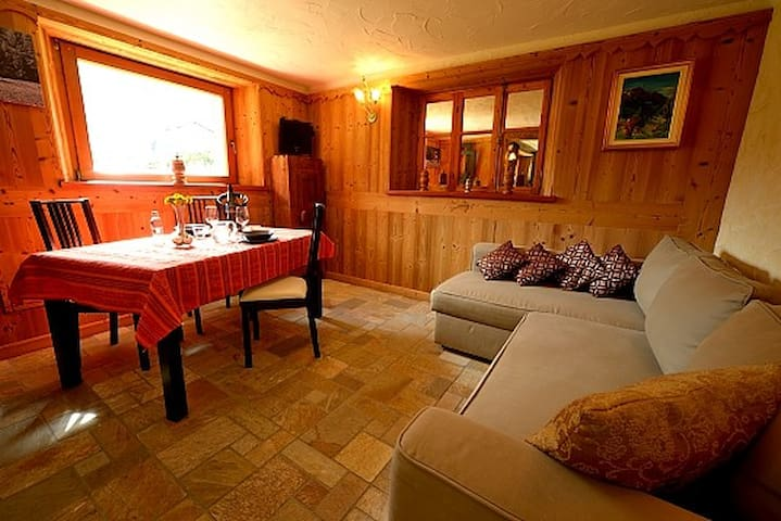 Lovely apartment in Cogne – Private garden. - Cogne - Apartment
