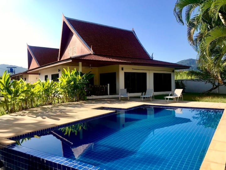 VILLA SILK: 3 B/rm Private Pool In Rawai, Sleeps 6