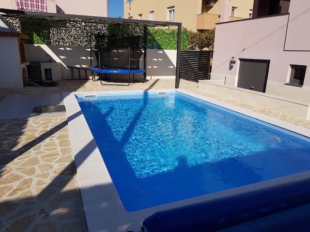 Apartments Sara Zadar