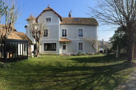 Maison Lavacourt - Moisson - 一軒家