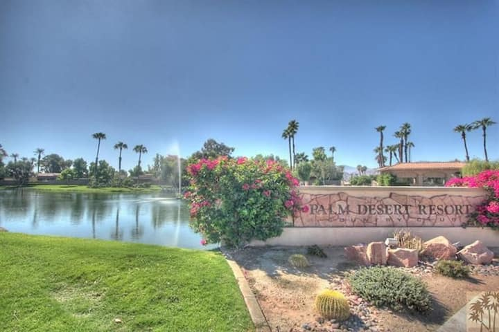 Palm Desert Resort CC Condominium