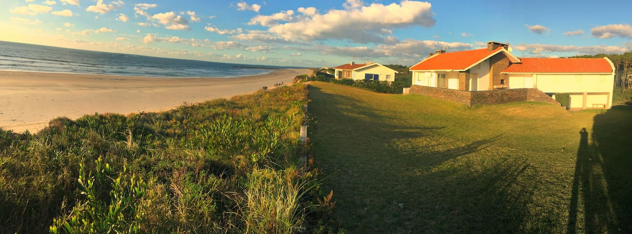 Beach Front Villa - 20 mins from Porto - Casa Ofir