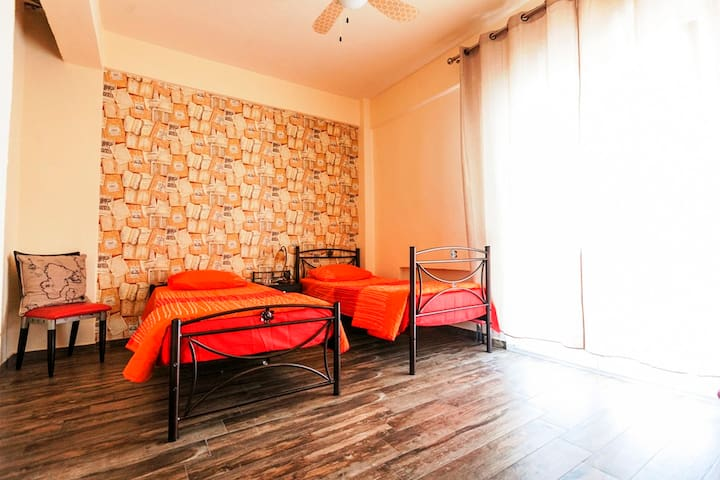Private rooms- Hostel Meteora - Τρίκαλα - Apartment