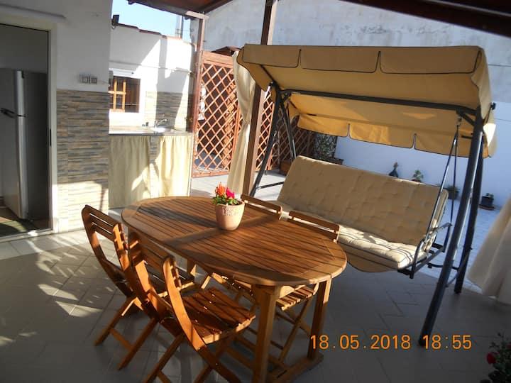 Accogliente mansarda con ampia veranda! Alghero