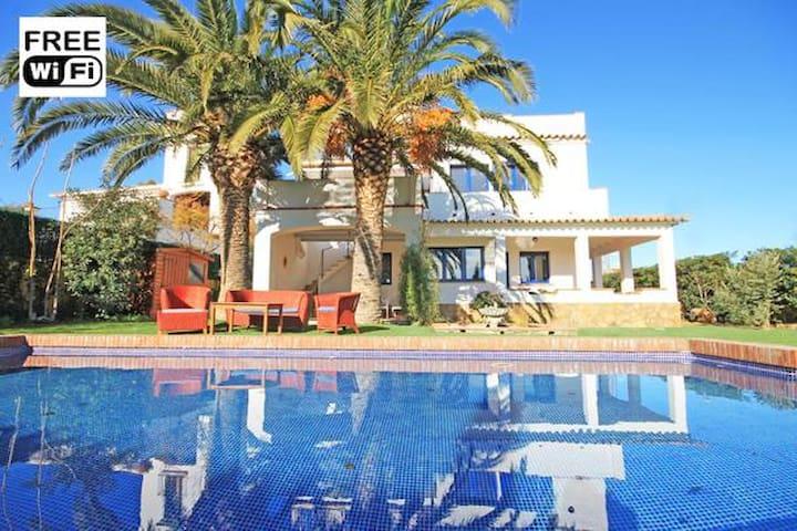 Villa en L'Escala a 300m de la playa con piscina - L'Escala - Hus