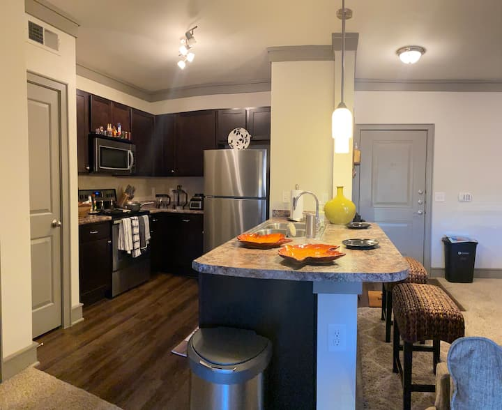 Entire Peaceful, Luxury 2BR Apartment in Tulsa