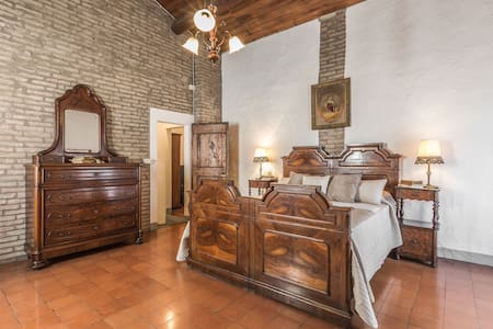 Elegante Appartamento Arredato 120mq - Leilighet